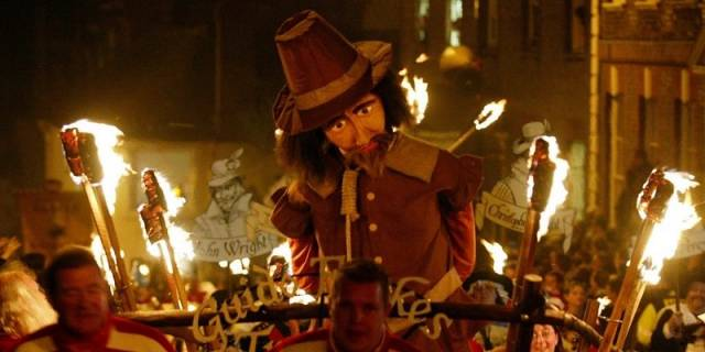 6. Guy Fawkes Gecesi (Bonefire Night)