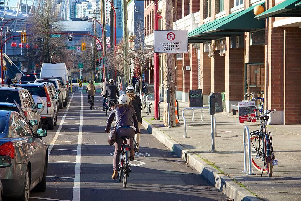 4. Şehir içi ulaşımda birçok alternatif vardır.