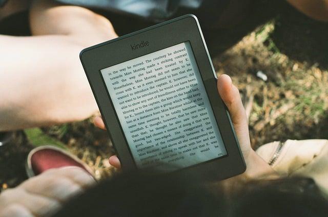 12. Kitap ya da e-kitap okuyucu