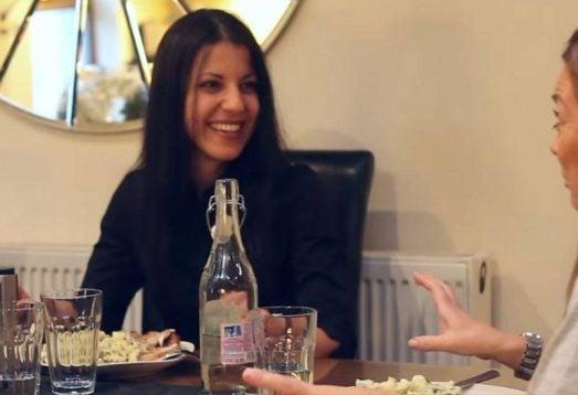 Bir Öğrencinin Aile Yanı Konaklamasına Varışı Üzerine Kısa Bir Video