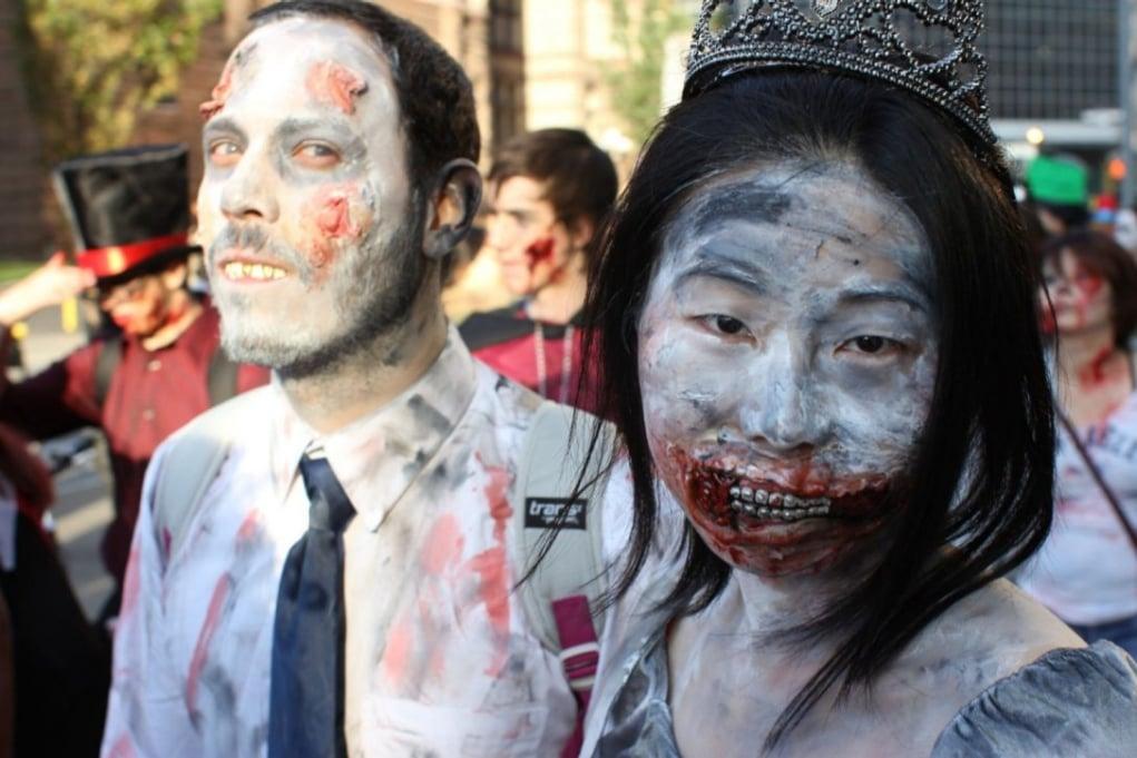16. Toronto'yu zombiler mi basmış?