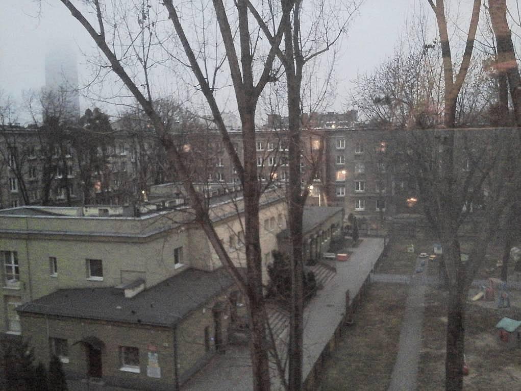 45. Varşova'da bir mahallle deyip geçemedim. Hiç sevmedim bu ve buna benzer mahalleleri.