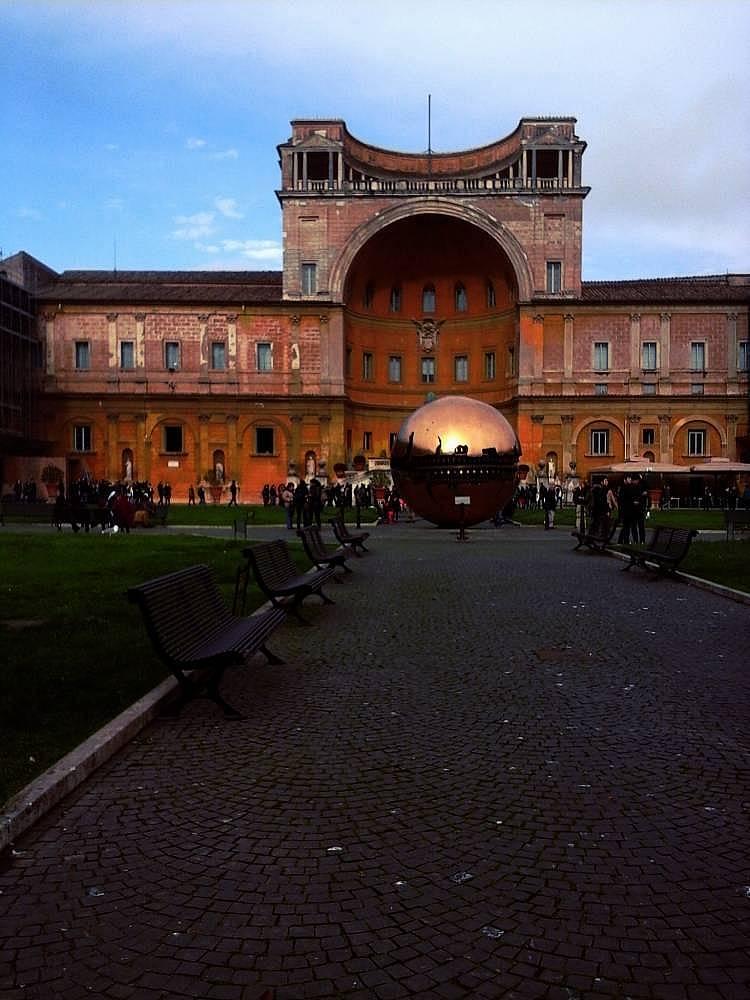 28. Vatikan Müzesi hayatımda gördüğüm en etkileyici müzeydi.
