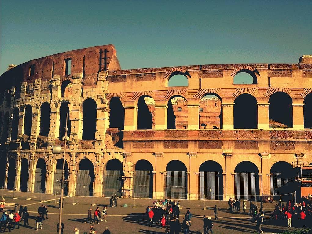 25. Colosseum hem insanı kendine hayran bırakıyor hem de bir o kadar ürkütüyor.