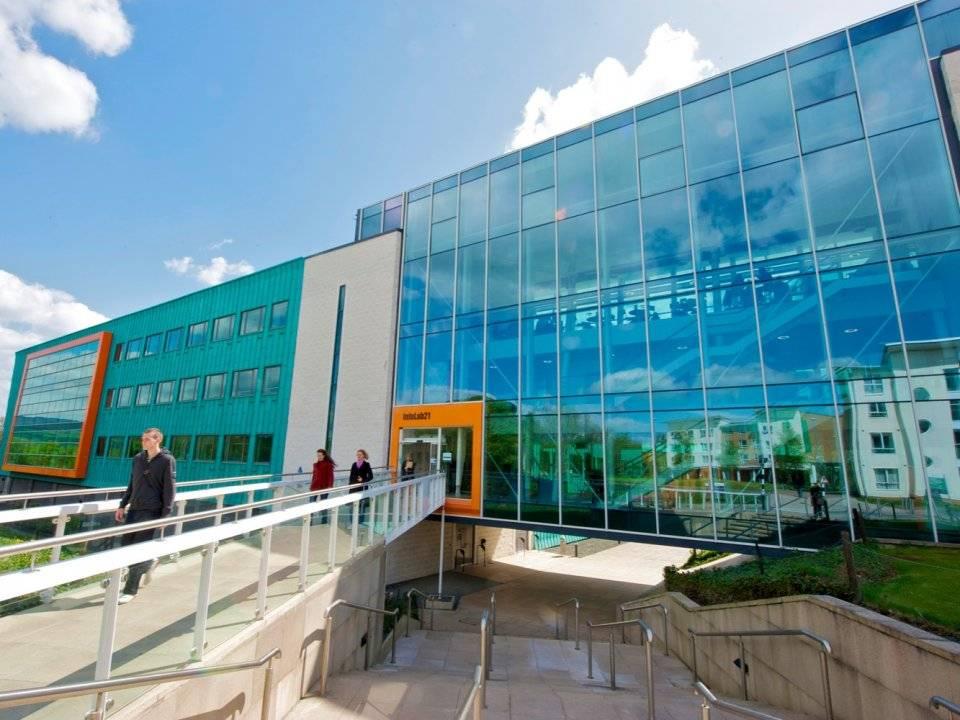 11. Lancaster University Management School / Birleşik Krallık