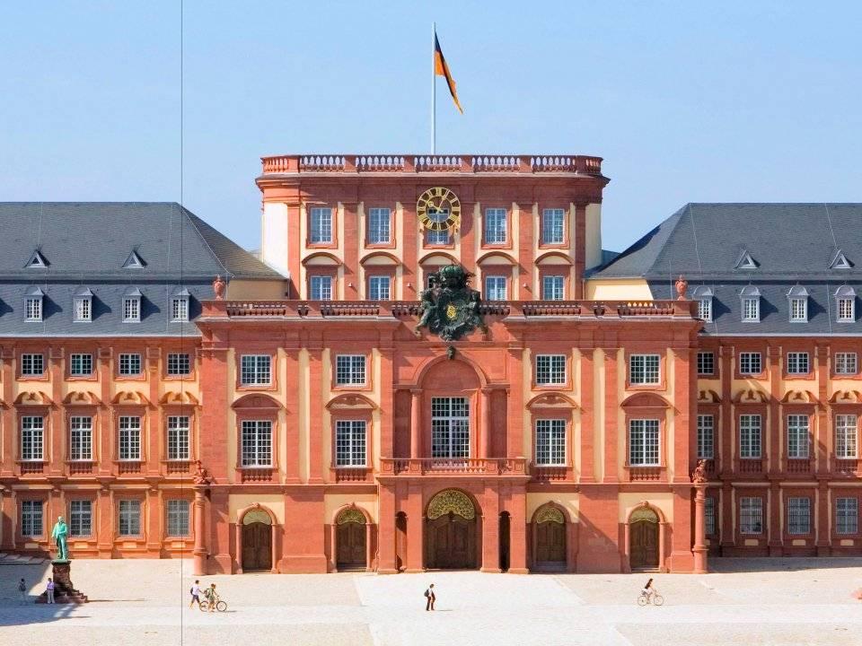 18. Mannheim Business School / Almanya