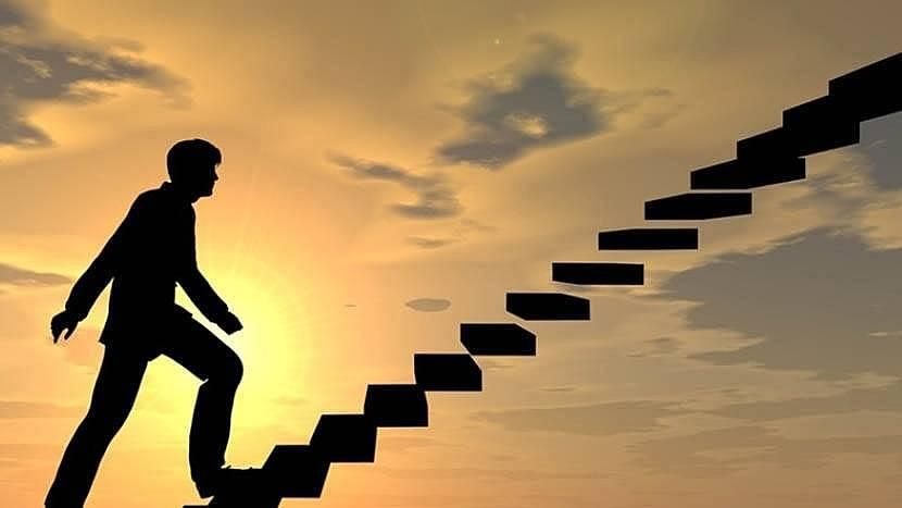 6. Kariyer basamaklarını daha kolay çıkmanızı ve akademik alanda gelişmenize katkı sağlar.