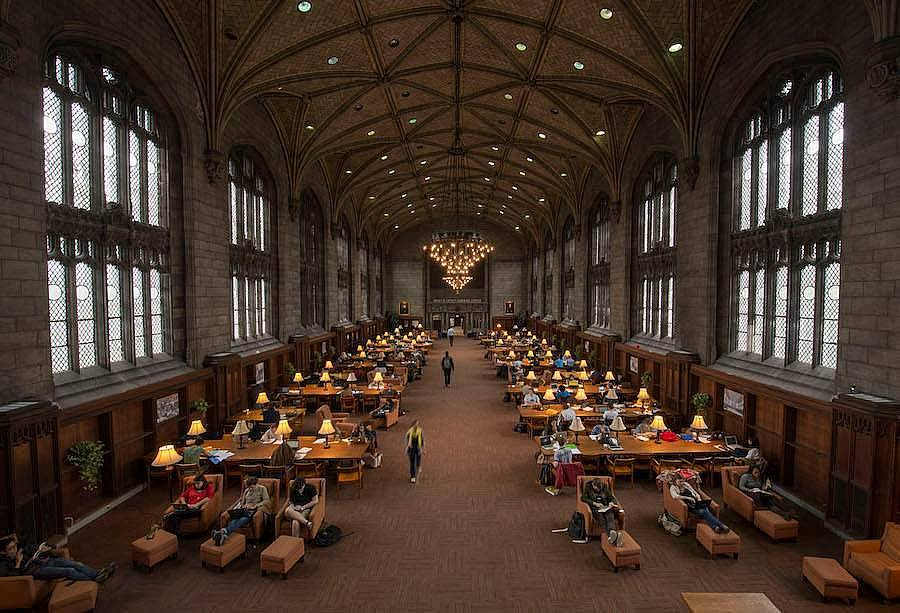 8. Chicago Üniversitesi (ABD)