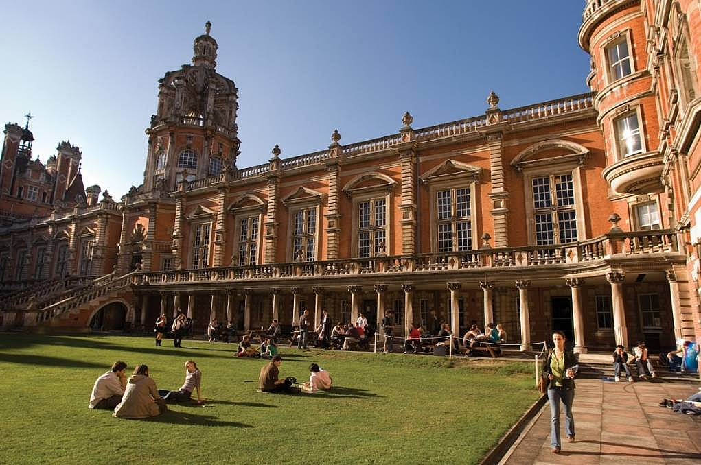 İngiltere'de Yüksek Eğitim Almanız için 10 Neden