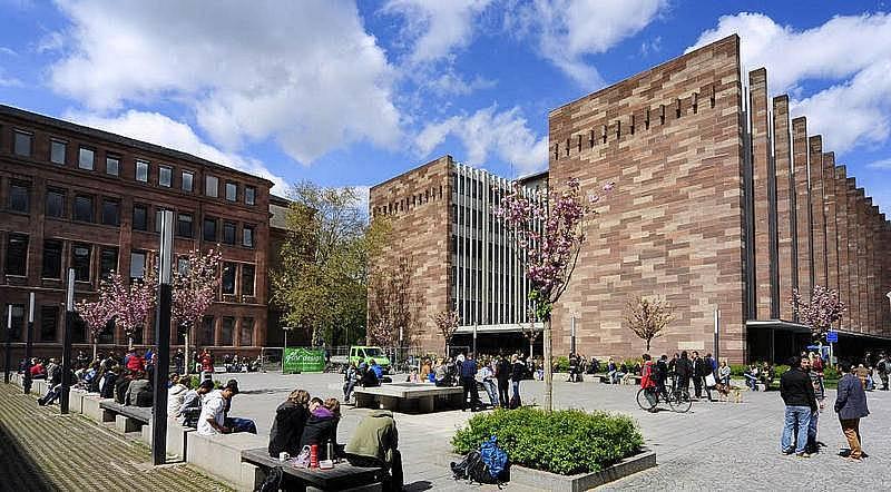 8. Freiburg Albert-Ludwigs Üniversitesi