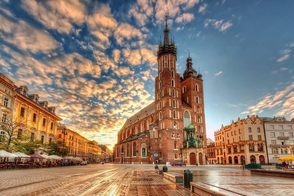 8. Polonya