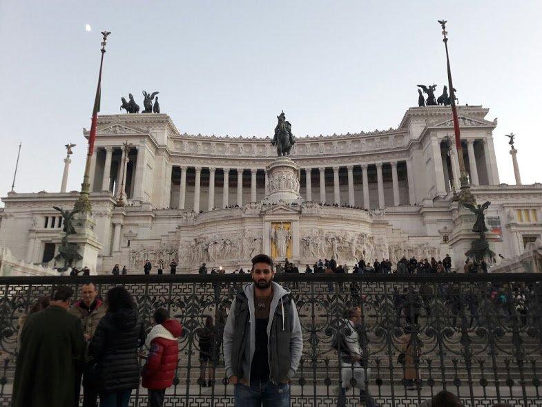 7. Vittoria Emanuel II. Abidesi'nde Roma'ya tepeden bakın.