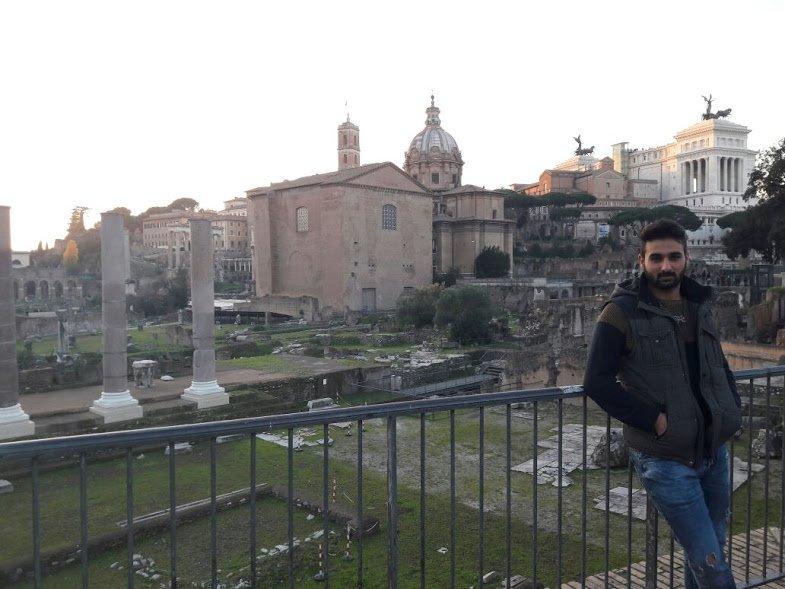 6. Roma Forumu (Foro Romano)'nda antik Roma'yı keşfedin.
