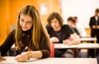 İngilizce Seviyenizi Merak Mı Ediyorsunuz? Ücretsiz IELTS Sınavını Deneyin!