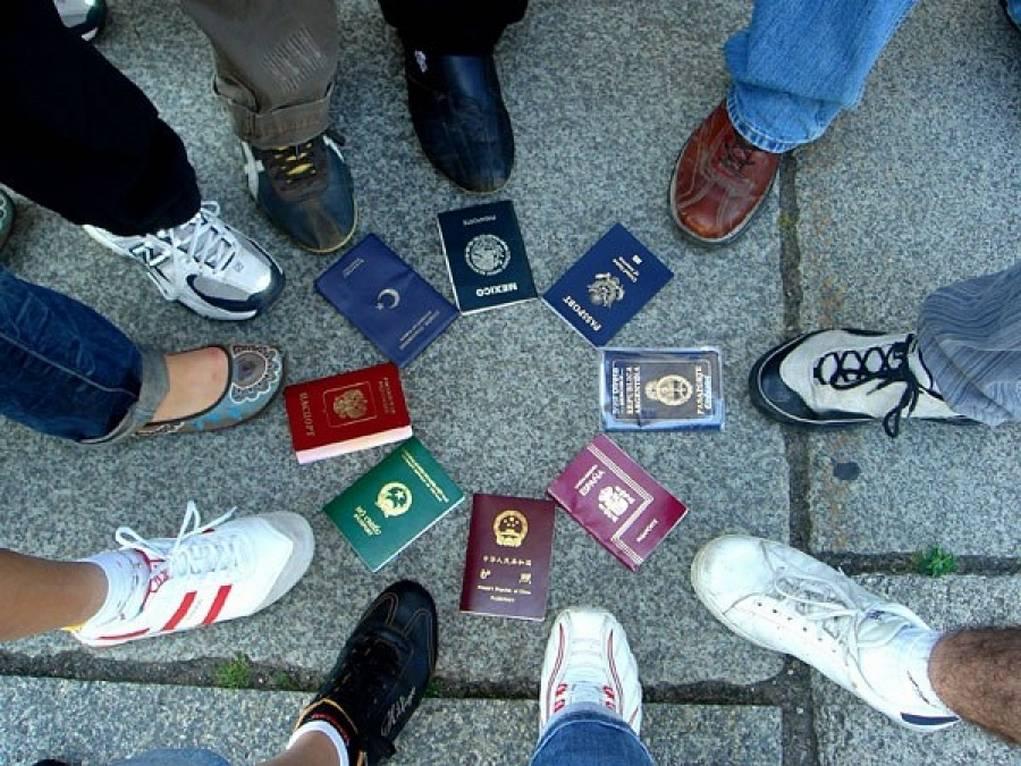 4. Uçak seyahatiniz boyunca evraklarınızı kolay ulaşabileceğiniz bir yerde tutun.