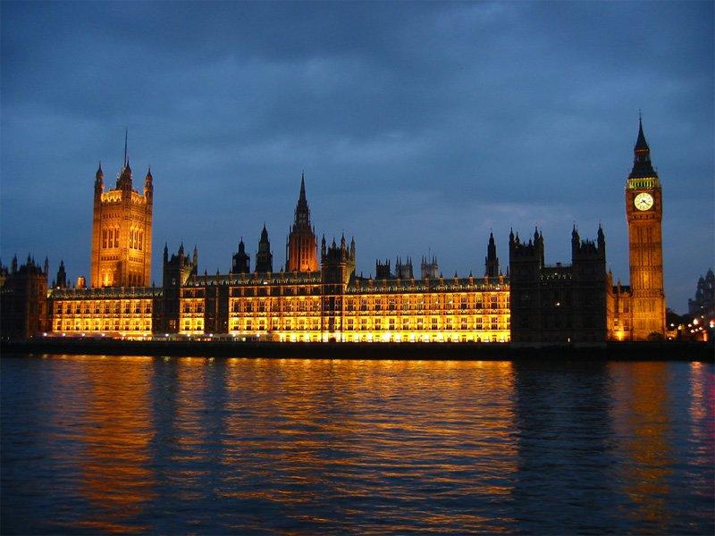 8. Parlamento Binası'nda ölmek yasaktır.