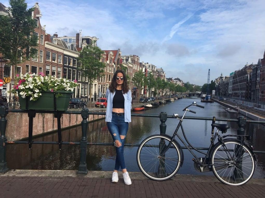 11. Bisikletin arabalardan daha çok hakka sahip olduğu şehir : Amsterdam