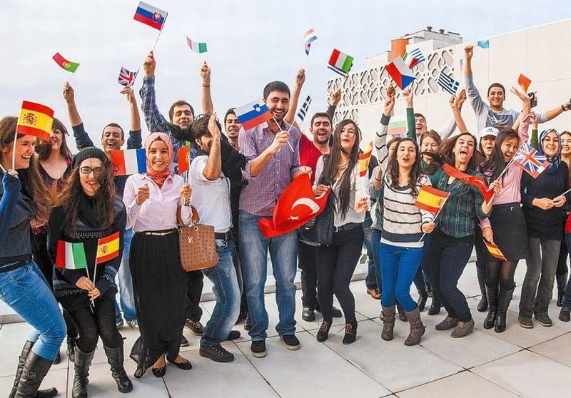 Erasmus'a Gideceklere Hayat Kurtaran 8 Tavsiye - EDUMAG
