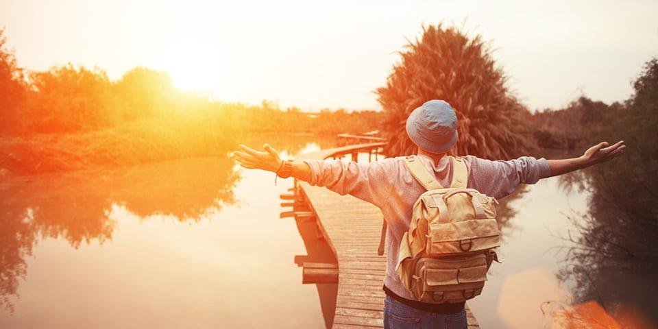 8. ''Kendi başınıza seyahat etme, yurtdışında eğitim ile aynı şeydir.''