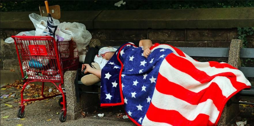 3. New York'taki evsiz insanların sayısı yaklaşık 60.000'i bulmaktadır.