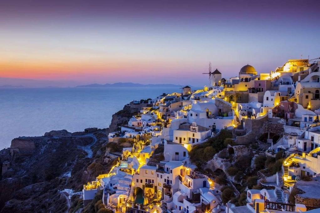 3. Atina, Santorini ve Rodos üçlüsü!