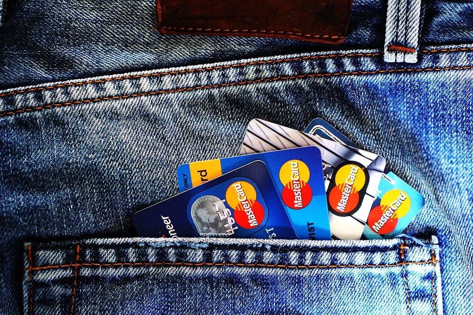 15. Fazla para kesintisi yapan kredi kartları kullanmadığınıza emin olun.
