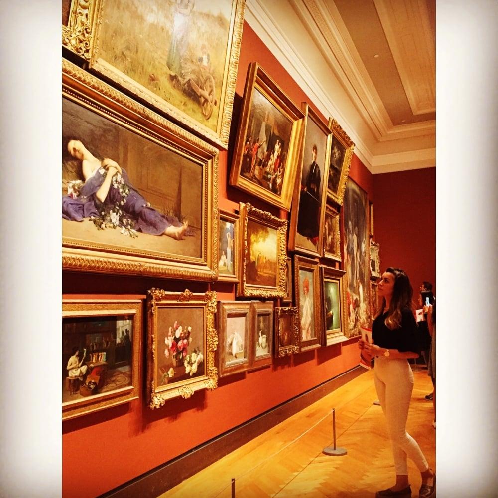 7. Bir gün gezmenin yeterli olmayacağı Ontario Sanat Galerisi.