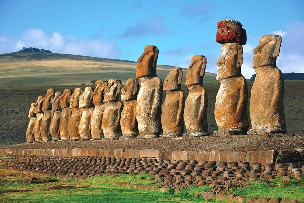 2. Paskalya Adası Heykelleri - Şili