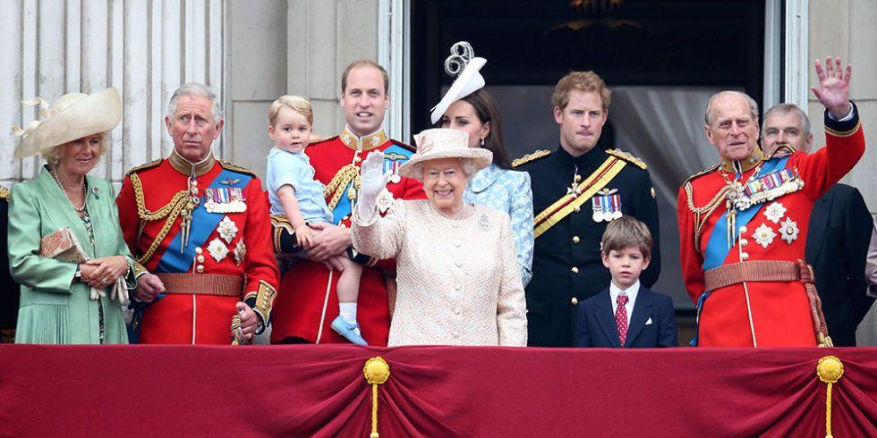 4. 1917'den önce, İngiliz Kraliyet Ailesi'nin üyeleri soyadına sahip değildi.