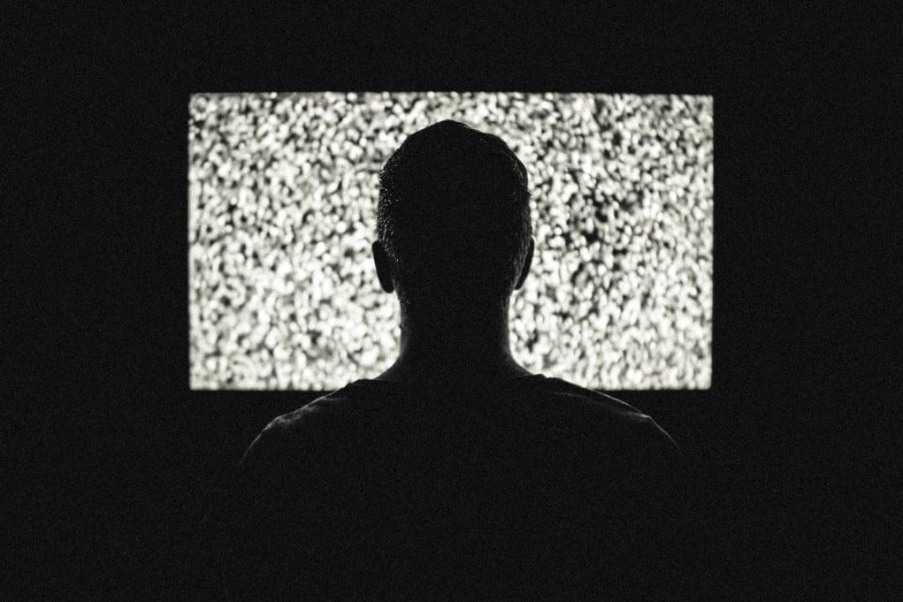 2. Yabancı dizi/filmleri altyazılı izleyin.