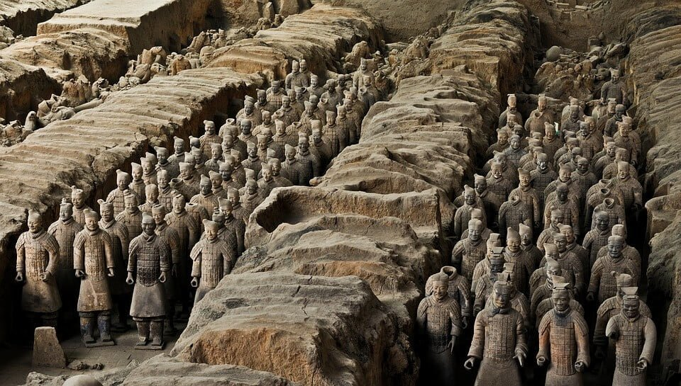 4. Terracotta (Toprak Askerler) - Çin