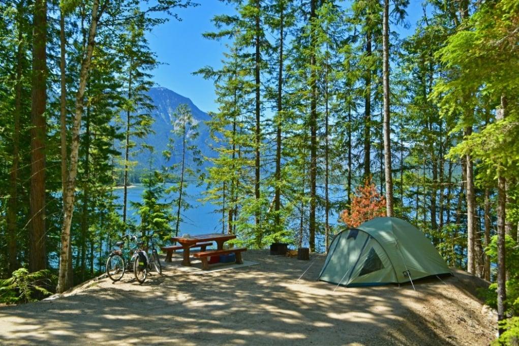 10. Kışın dağ evleri, yazın kampları pek revaçtadır.