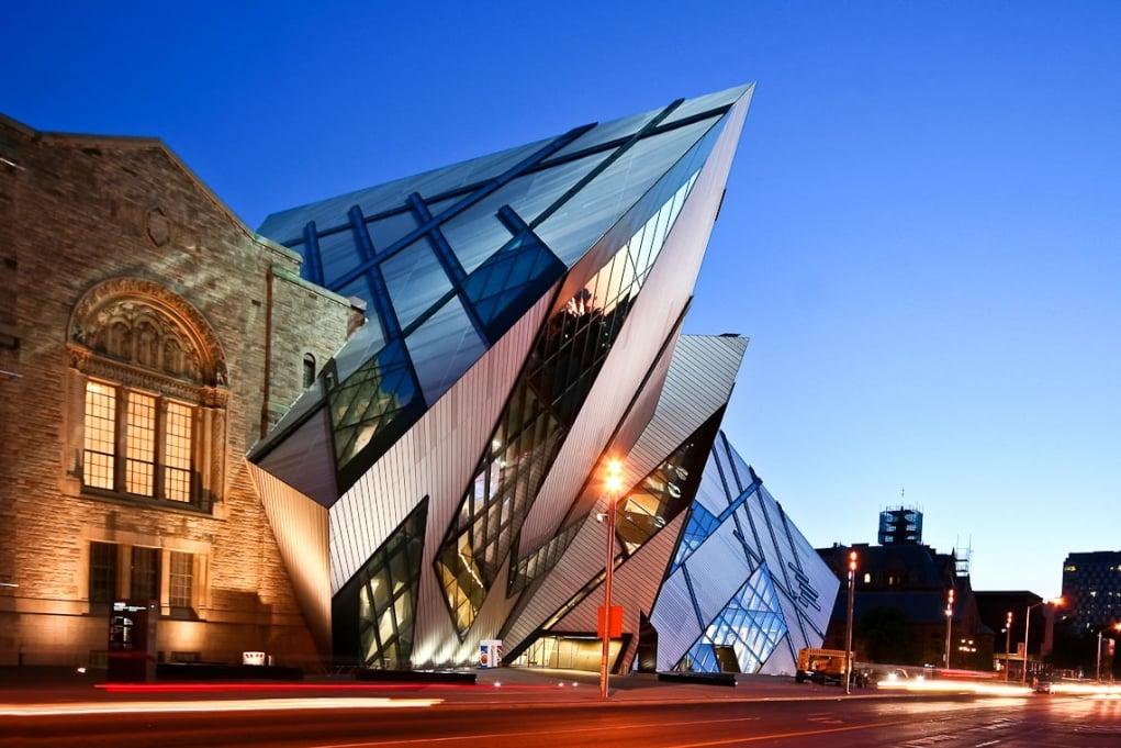 9. İhtişamlı sanat galerisi ve müzelere ev sahipliği etmektedir