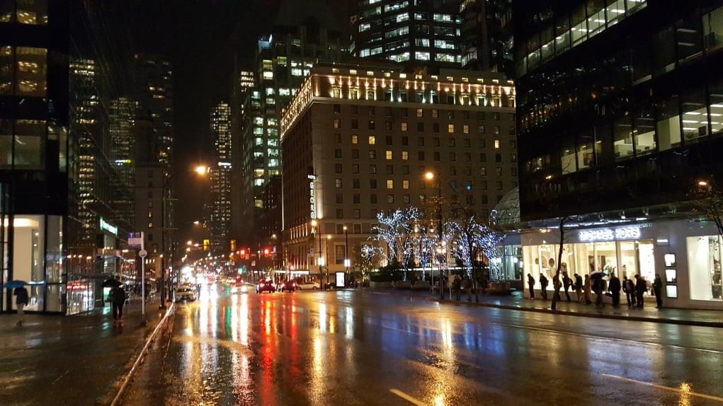 9. Vancouver Ekim – Kasım aylarında yağmurlarıyla meşhur, hava genellikle kapalı.