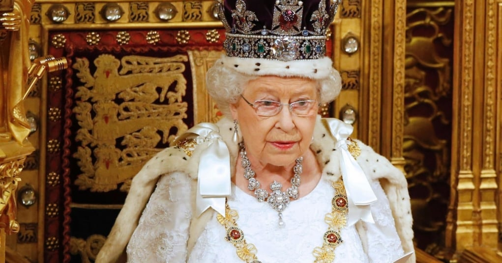 6. Dünyadaki tüm toprakların 6'da biri resmi olarak İngiltere Kraliçesi'ne aittir.