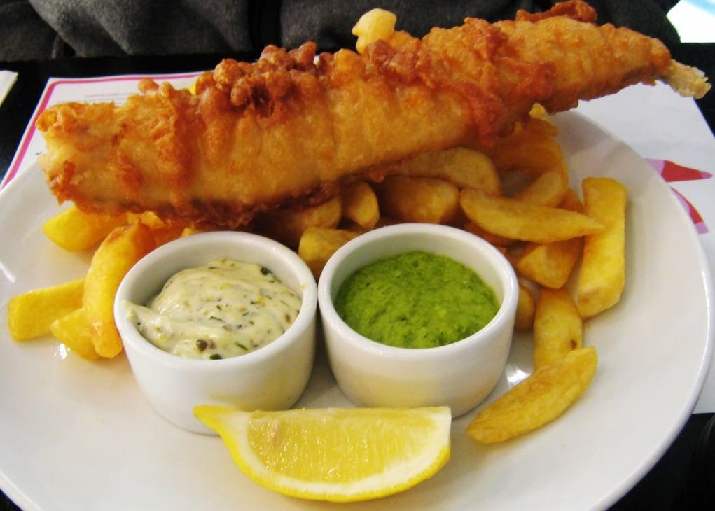 14. İngiltere'nin milli yiyeceği olarak kabul edilen fish&cips yapan ilk mekan, 1871 yılında Yahudi bir göçmen tarafından açılmıştır.