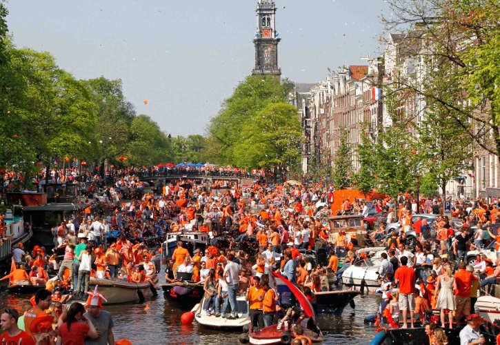 Amsterdam'da King's Day Festivaline Katılmanız için 6 Neden