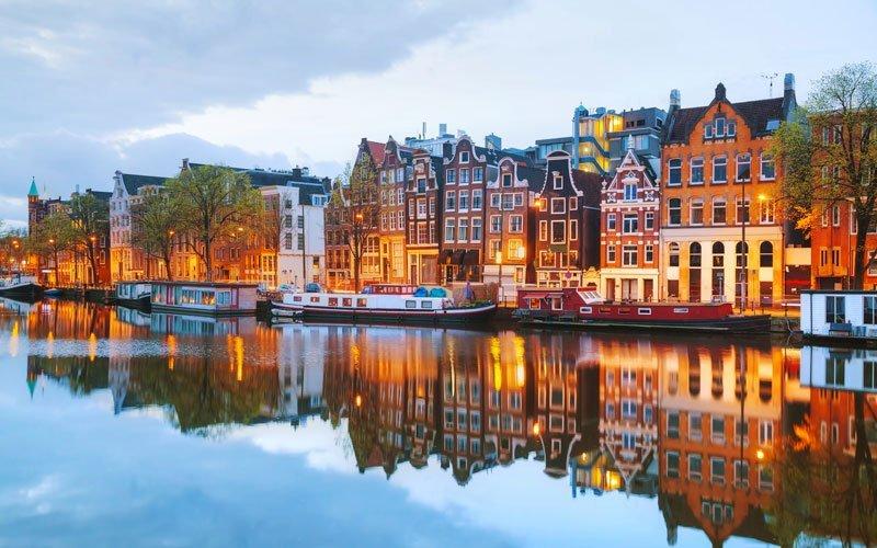 8. Hollanda
