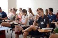Dil Okulu Seçmenin Püf Noktaları Nelerdir?