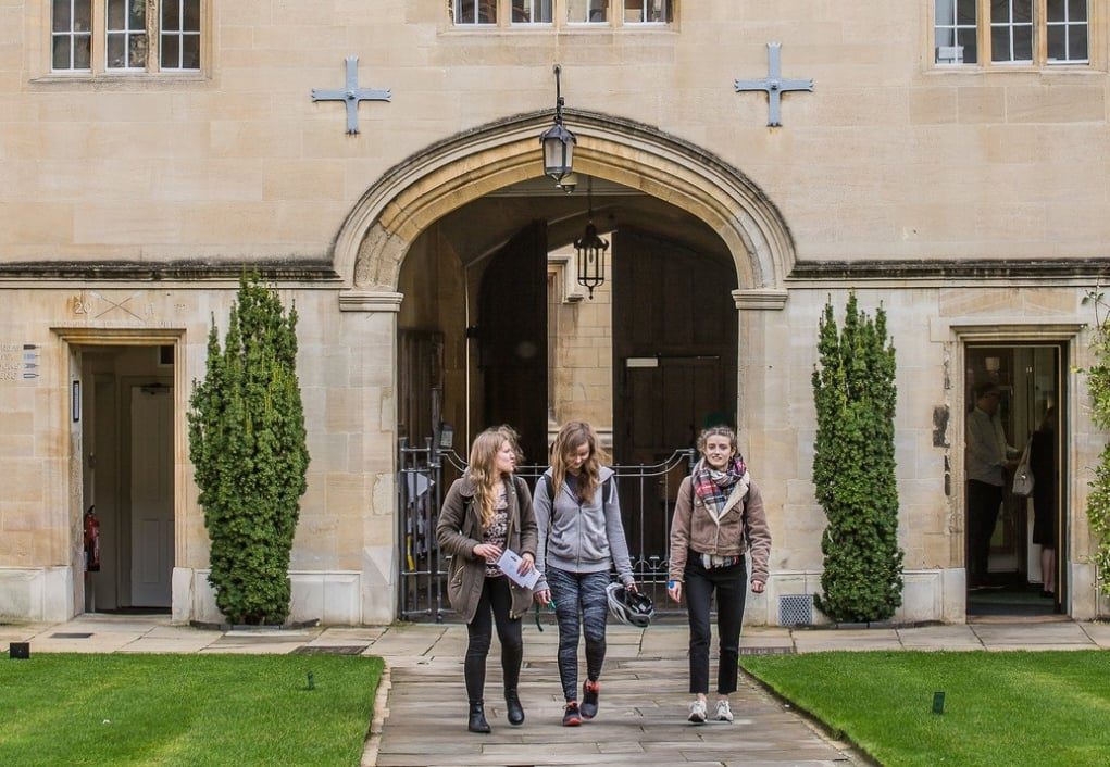 Yurtdışında Üniversite Eğitimi Almak