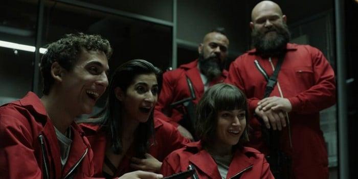 5. İspanyolca dizi ve film izleyin. Müzik dinlerken İspanyolca şarkıları seçin!