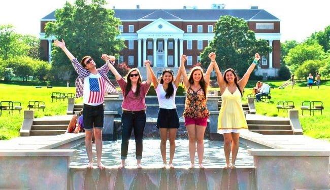 Amerika Dil Okullarında Eğitim Nasıl Alınıyor?