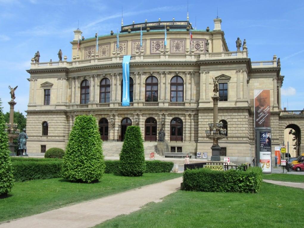 1. Charles Üniversitesi, Avrupa'nın en eski üniversitelerinden birisidir.