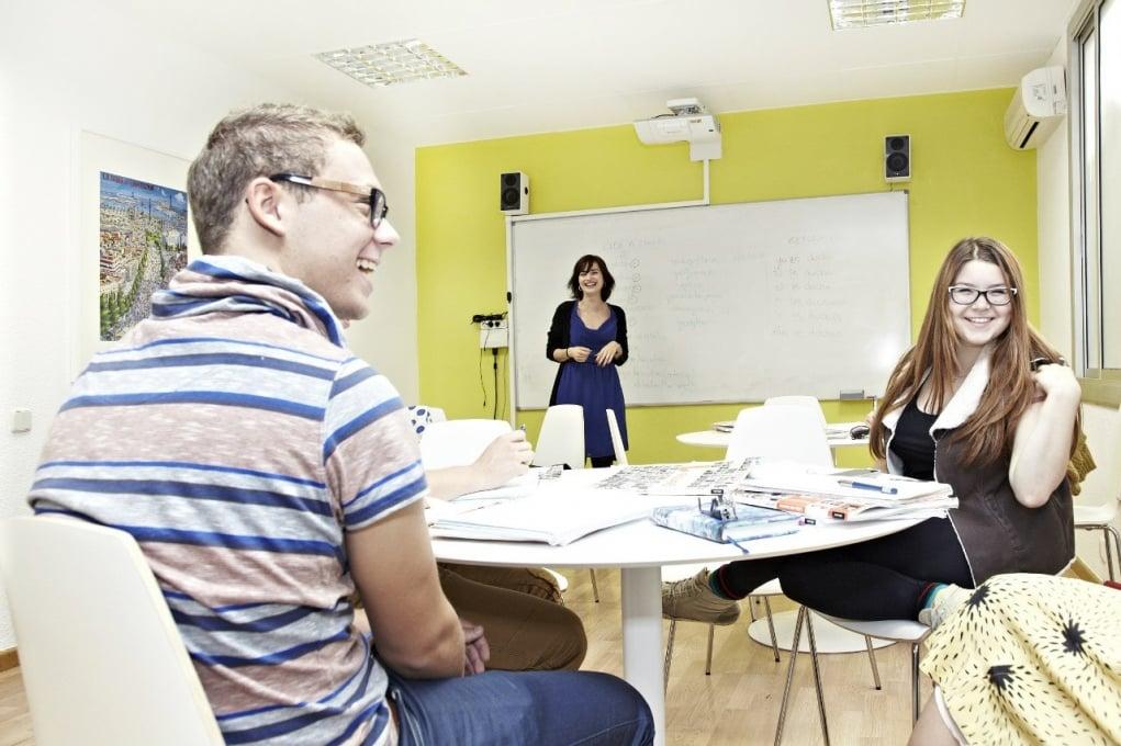 3. İspanyolca konuşma derslerine kayıt olun.