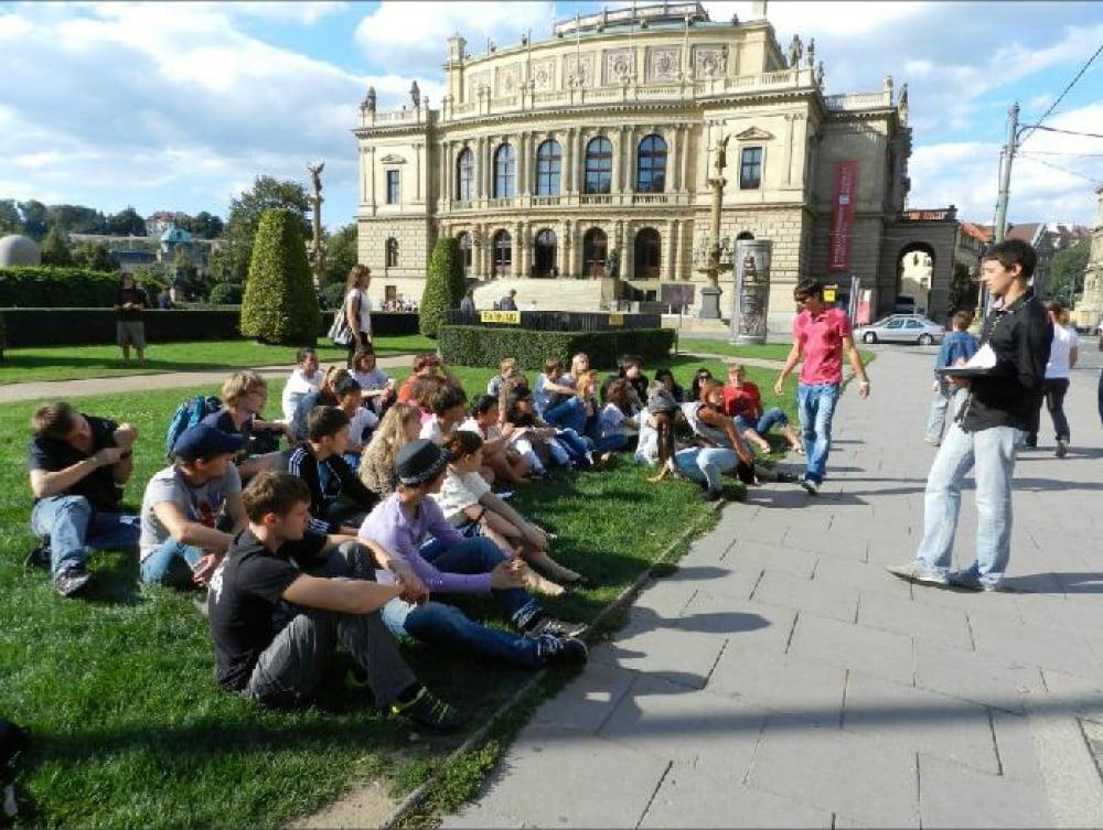 2. Dünyada tanınmış kaliteli üniversitelere ev sahipliği yapar!