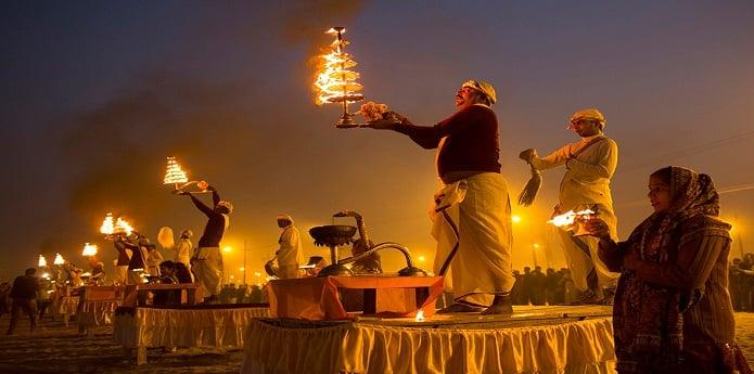 1. Güney Asya'nın En Eski Dini: Hinduizm