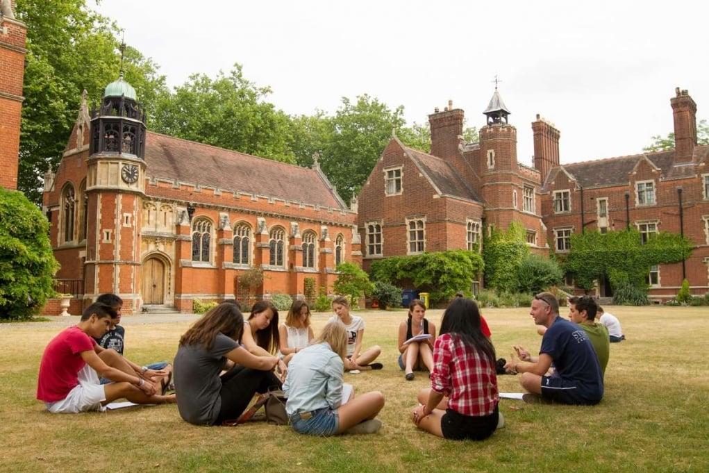 Lise için Yükselen Trend: Yurtdışı