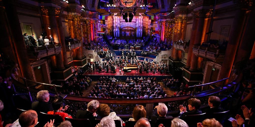 2. Leeds şehri sanat ve kültürel aktivitelerle doludur.