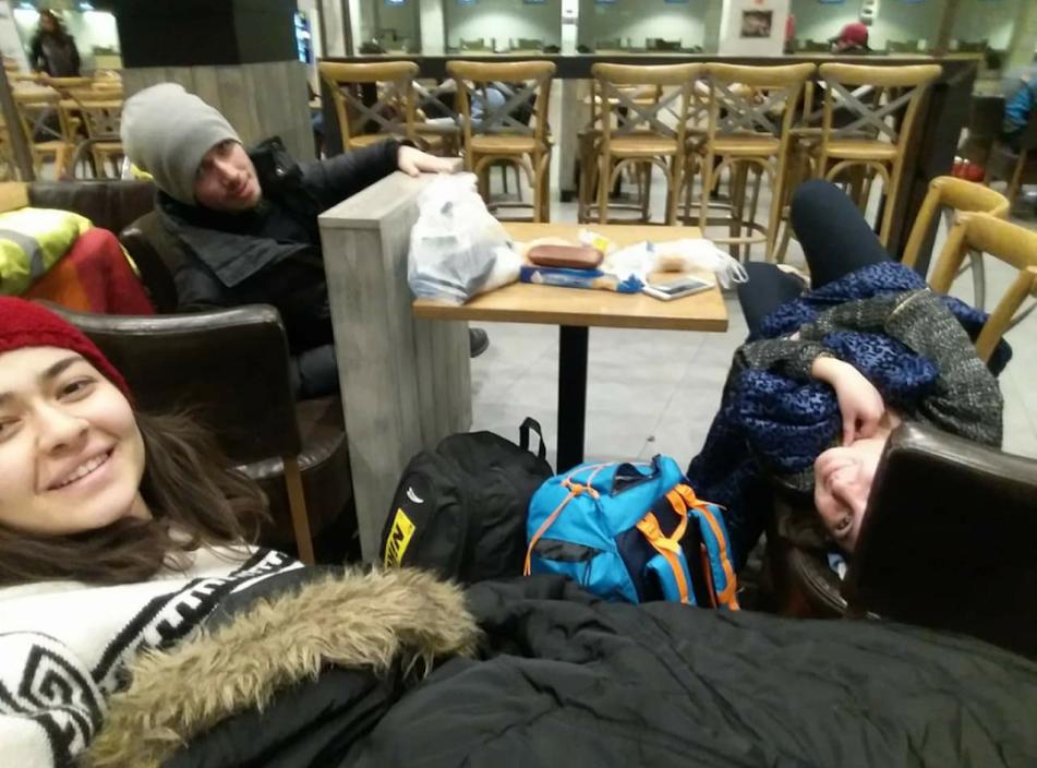 1. Havaalanında geceyi geçirme planı tamam, peki ya klimalardan gelen soğuk hava akımı?