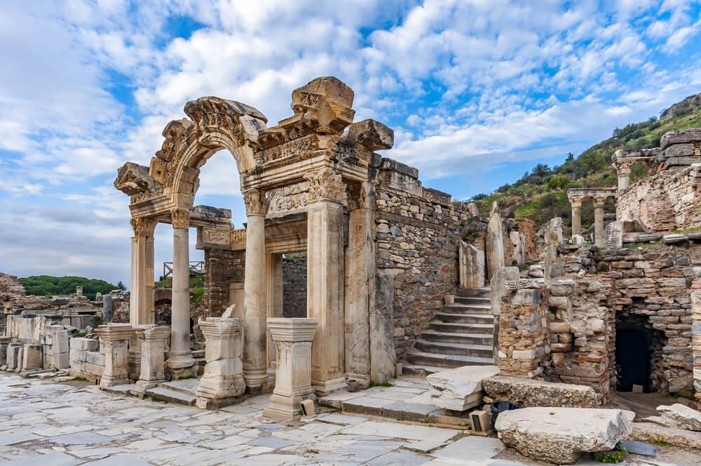 2. Efes